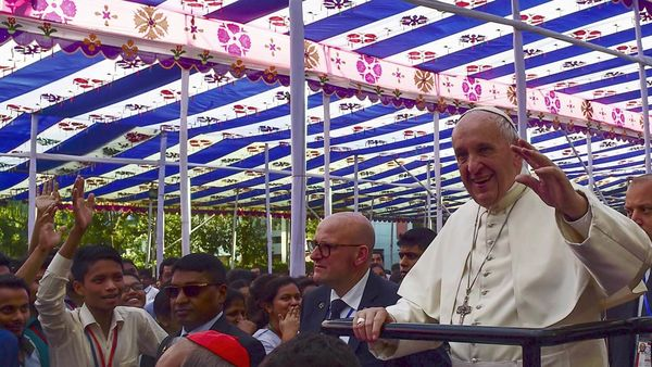 Pope Francis blesses cornerstones of Holy Cross schools in Bangladesh