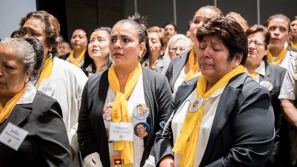 """The struggle is long"": Mothers of Mexico's missing accept 2018 Notre Dame Award"